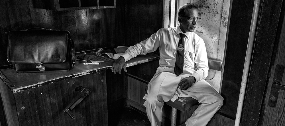 Sri Lanka Train Conductor Photography Workshop